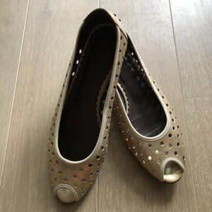 Donald J Pliner Peep-Toe Shoes Matte Gold Size 9.5